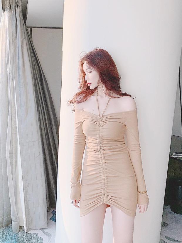 Đầm Body Tay Dài Dây Rút Thắt Nơ Hoặc Buộc Dây Yếm (NUDE)