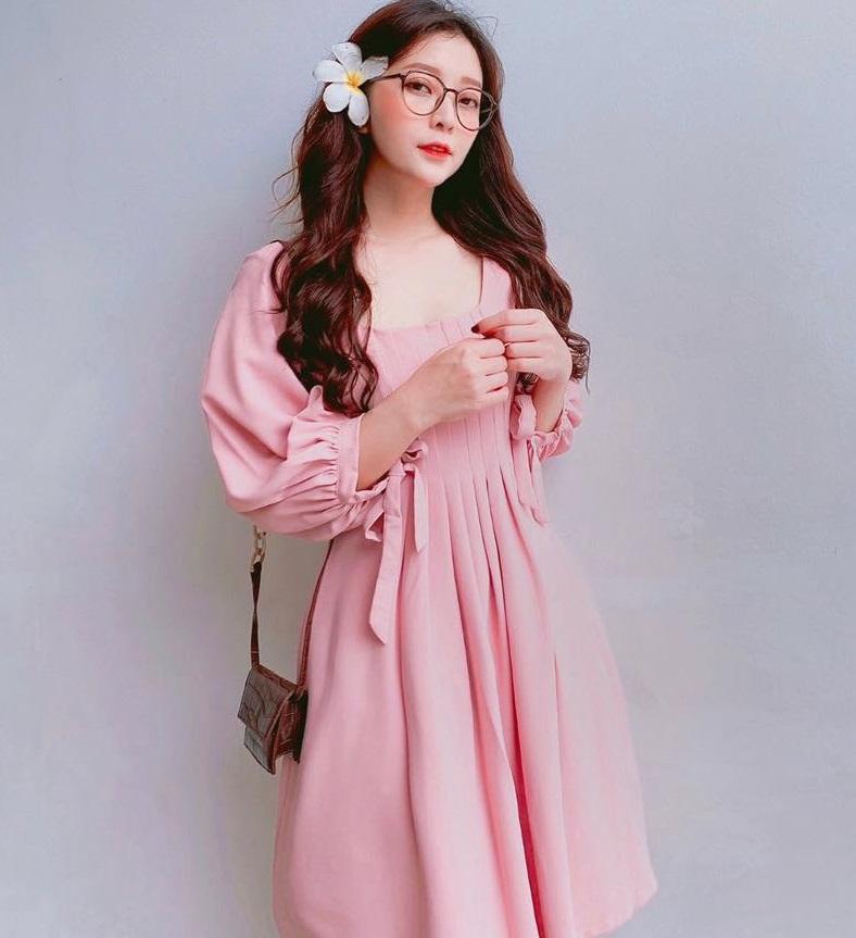 Đầm Xoè Xếp Ly Ngực Tay Dài Thắt Nơ Cổ Tay (HỒNG)