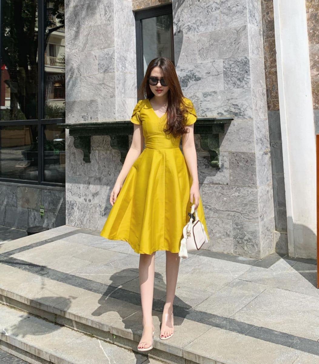 Đầm Tafta Phom Xòe Phồng (VÀNG)