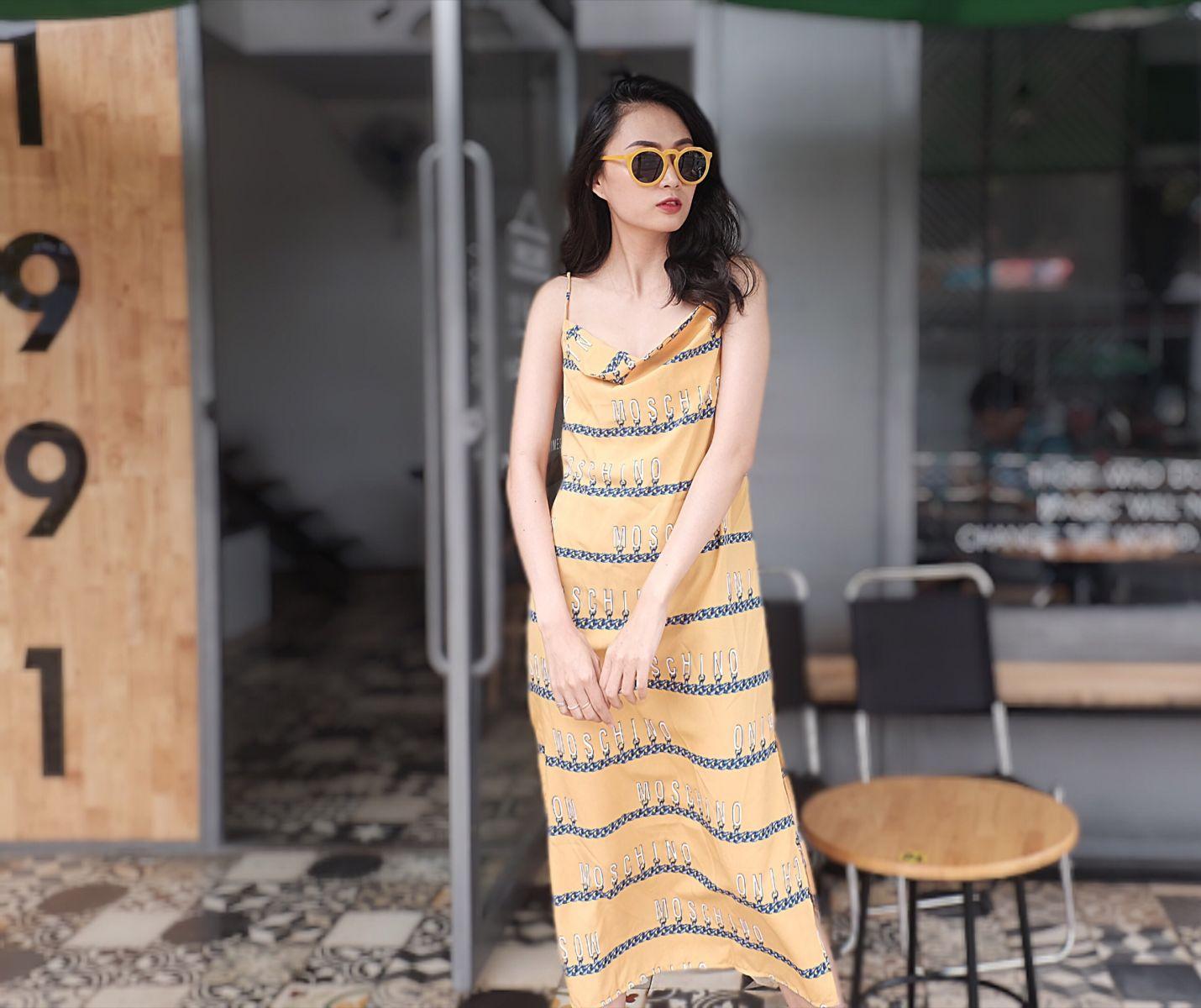 Đầm Suông Phom Dài Hoạ Tiết Chữ (VÀNG)