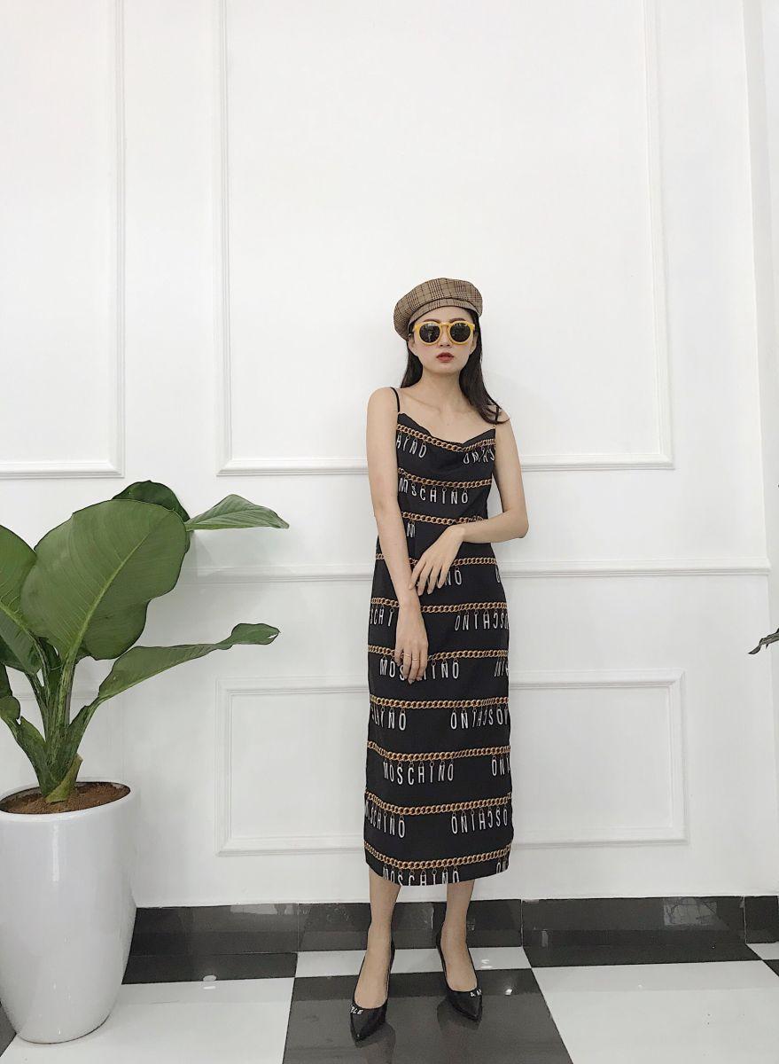 Đầm Suông Phom Dài Hoạ Tiết Chữ (ĐEN)