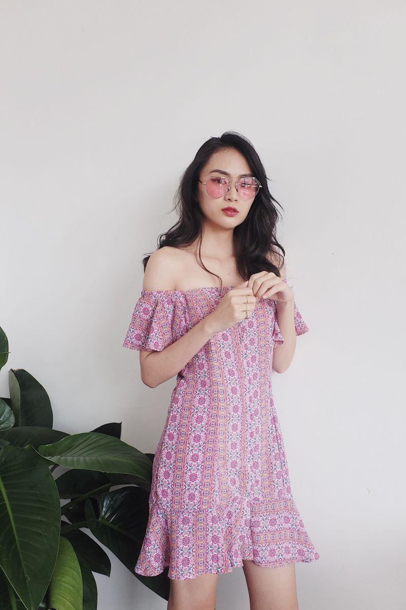 Đầm Bẹt Vai Thổ Cẩm Đuôi Cá