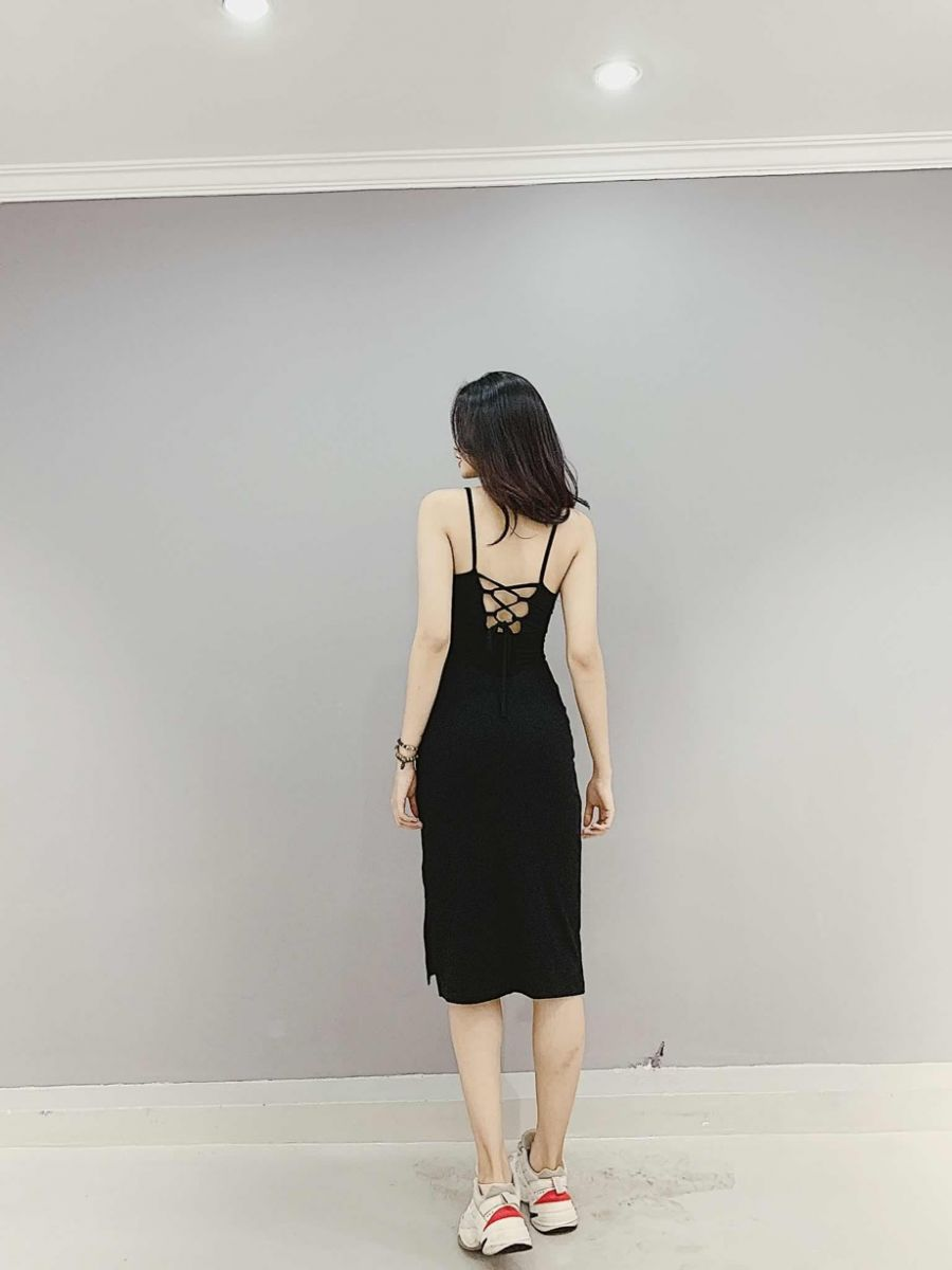 Đầm Body Xẻ Hông Dây Lưng Đan Xen CLAU (ĐEN)
